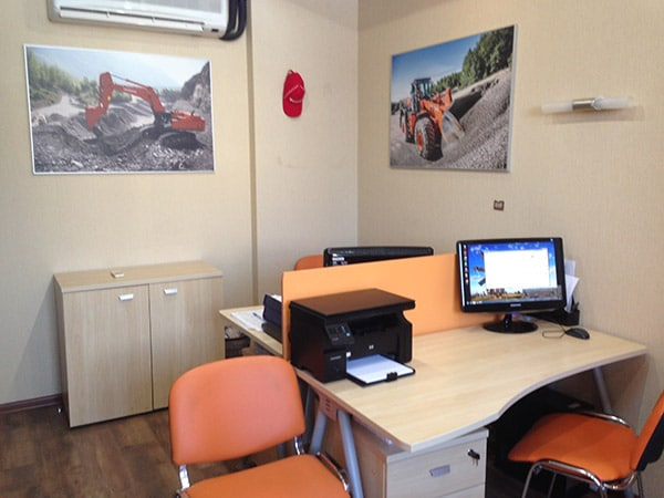 Офис Хит Машинери в Екатеринбурге, купить экскаватор, фронтальный погрузчик, спецтехнику и запчасти