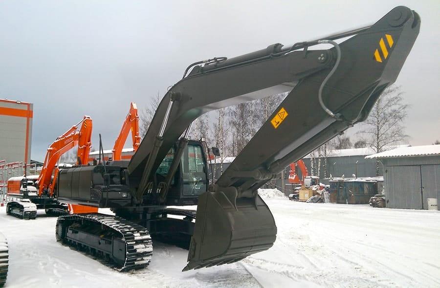 Парк Патриот - два экскаватора Hitachi ZX330 производства РФ