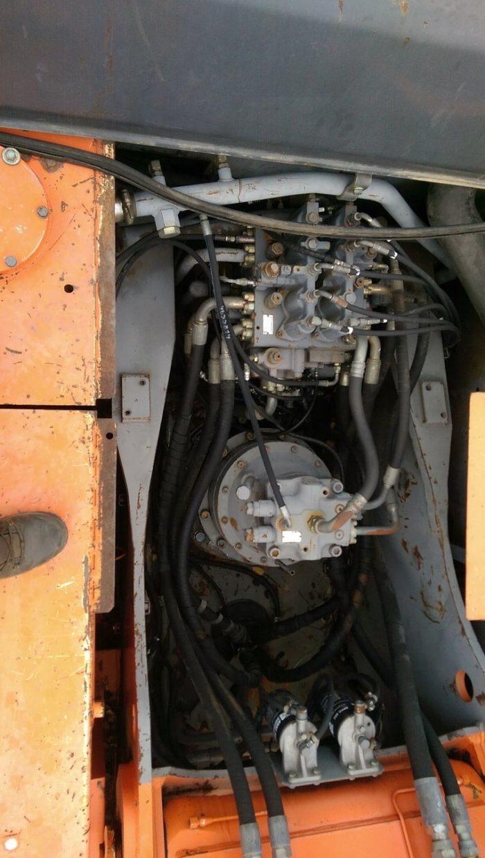Б/у гусеничный экскаватор Hitachi-ZX330